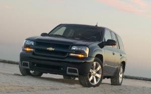 NHTSA Opens Investigation on 2006-2007 Chevy Trailblazers for Power Window Switch Issues