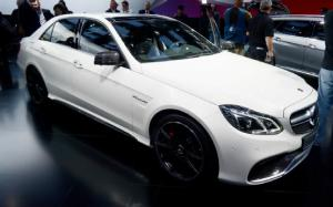 2014 Mercedes-Benz E63 AMG 4Matic First Look - Motor Trend