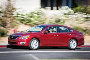 2013 Nissan Altima 2.5 SL Long-Term Update 2 - Motor Trend