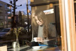 Ny undersøkelse: Fire av ti unge vil betale for nyheter | Kampanje