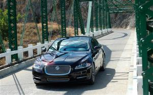 2011 Jaguar XJ Supersport First Drive and Review - Motor Trend