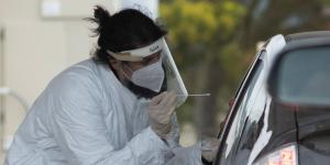 U.S. Works to Contain Economic Fallout as Coronavirus Deaths Pass 45,000