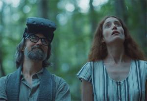 Finn tuller med bærekraft-hysteri i ny reklamefilm: - Jeg vil ikke kalle det en parodi | Kampanje