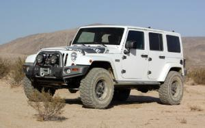 XPLORE 2012 Jeep Wrangler Unlimited Rubicon Performance Test - Motor Trend