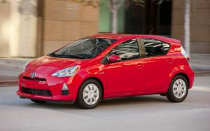 2012 Toyota Prius C Takes on the High Sierras - Motor Trend