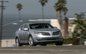 2013 Lincoln MKS EcoBoost First Test - Motor Trend