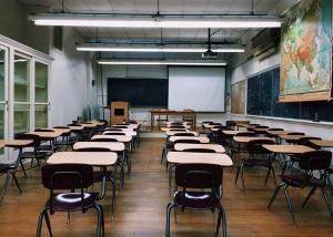 Retorno às atividades deverá ocorrer a partir do dia 5, para as escolas privadas, e a partir do dia 13 de outubro, para as escolas municipais e as estaduais, seguindo protocolo sanitário