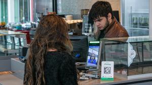 Com demanda em alta por transações digitais, empresas do setor financeiro prepararam novidades que devem fazer o brasileiro não precisa mais levar a carteira para fazer compras em um futuro próximo