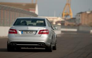 2010 Mercedes-Benz E63 AMG First Drive and Review - Motor Trend