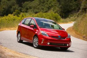 2012 Toyota Prius v Five First Test - Motor Trend