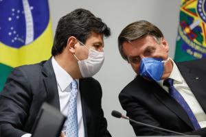 Os fatos mostram que o presidente Bolsonaro não está sabendo lidar com as suas circunstâncias. Afasta-se dos seus ministros, desconfia do seu entorno e vai, aos poucos, reduzindo o leque de interlocutores a um pequeno universo de vozes concordantes