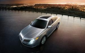 2013 Lincoln MKS First Drive - Motor Trend