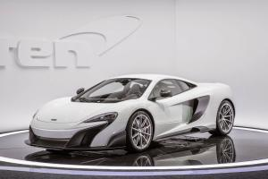 2016 McLaren 675LT First Look - Motor Trend