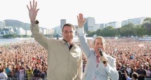 Parlamentares começaram a se articular para tentar derrubar o veto de Bolsonaro ao dispositivo que anulava dívidas de igrejas com a Receita, em renúncia que se aproximaria de R$ 1 bilhão