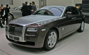 2011 Rolls-Royce Ghost First Look - Motor Trend