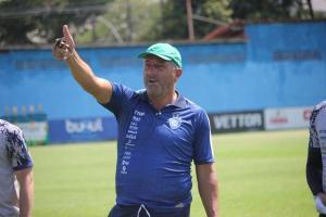 Sem chances na Série D, o treinador alvianil, Gilberto Pereira afirmou que fará testes e encontrará soluções para o confronto decisivo no Capixabão na próxima quarta-feira (02)
