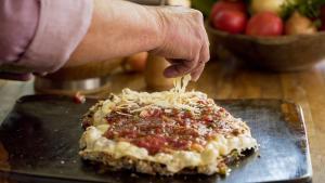 A dica é do churrasqueiro José Almiro de Morais, que também ensina uma receita de molho rústico de tomate com sabor defumado
