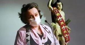 A médica e pesquisadora da Fiocruz Margareth Dalcolmo se emocionou ao falar do atraso do envio da vacina ao Brasil em cerimônia no Rio de Janeiro e artistas apoiaram o protesto da capixaba