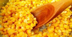 Larvas foram encontradas pela consumidora numa lata de milho em conserva