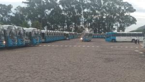 O protesto deixa o capixaba da Grande Vitória praticamente sem ônibus já que circulam apenas os coletivos com ar-condicionado.