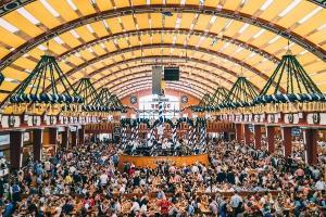 Em Munique, Cincinnati, Blumenau e São Paulo, o maior festival cervejeiro do planeta só volta a ser celebrado em 2021