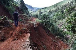Levantamento foi realizado pelo Serviço Geológico do Brasil e repassado aos 78 municípios do Estado. População dessas áreas devem ficar atentas para os sinais de deslizamentos decorrentes do excesso de chuva, alerta a Defesa Civil Estadual