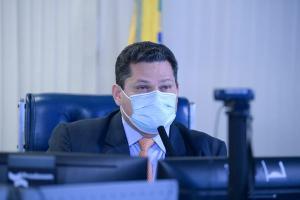 Nota assinada pelo consultor Arlindo Fernandes de Oliveira, porém, avalia que o presidente do Senado não tem respaldo técnico para a recondução ao posto