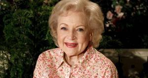 Ela foi a primeira mulher a ganhar um prêmio Emmy e ainda teve, em 1954, um programa com seu nome, The Betty White Show, além de se tornar estrela da TV e cinema