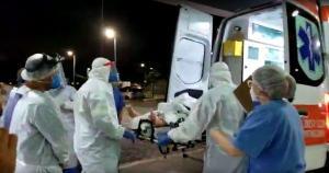 A segunda aeronave decolou de Manaus às 20h55 (horário de Brasília) e chegou ao Estado à 1h43 da madrugada desta sexta (22) com mais 18 pacientes para internação no Hospital Jayme Santos Neves, na Serra, somando 36 ao todo