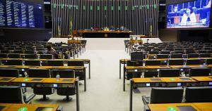 Coordenador da Frente Parlamentar Mista pelo Saneamento, o deputado federal Enrico Misasi (PV-SP) reconheceu que existem frentes de resistência à lei, cujo pilar é impor a concorrência no setor
