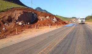 De acordo com a Eco 101, intervenção é parte das obras de duplicação da rodovia. O desmonte da pedra deve ocorrer às 15h desta sexta-feira (09) e as pistas devem ser liberadas uma hora depois