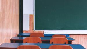 Em risco moderado (amarelo) no novo Mapa de Risco, Vitória, Serra e Cariacica voltam gradativamente ao ensino em sala de aula. Mesmo em risco alto, Vila Velha também retoma à modalidade presencial