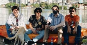 """De Vila Velha, a banda Maré Tardia emplacou o último single lançado, """"Linda Estrada"""", na lista de lançamentos e destaques do gênero com curadoria da plataforma de streaming"""