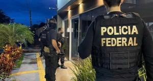 Na segunda-feira (26), Polícia Federal prendeu, na área rural de Boa Vista da Aparecida, no Paraná, Olmir Francisco Schossler. Ele foi condenado a 12 anos de prisão pelo homicídio qualificado