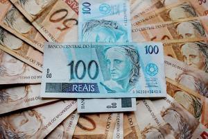 As aplicações de até R$ 1 mil representaram 67,42% das operações de investimento no mês