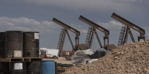 Frackers Prepare to Pull Back, Exacerbating a Slowdown in U.S. Oil Growth