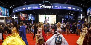 Disney Enlists Superfans as It Prepares Face Off Against Netflix
