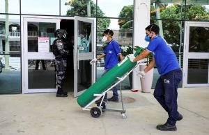 O governo do Amazonas informou que está com uma demanda por oxigênio quase três vezes superior ao que seus fornecedores são capazes de entregar para abastecer as unidades de saúde