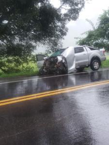 Segundo a PRF, batida aconteceu no km 438 da BR 101, no distrito de São José das Torres, por volta das 12h30 desta terça-feira (24)