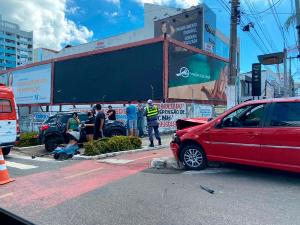 O acidente aconteceu no cruzamento da Champagnat com a Rua Inácio Higino