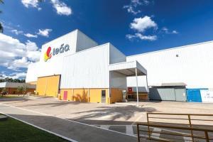 Leão Alimentos e Bebidas, que produz polpas e sucos nas suas unidades de Linhares, vai encerrar atividades no segundo semestre deste ano. As duas fábricas do ES viram alvo de potenciais investidores