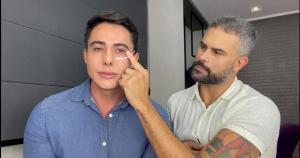 O maquiador Ricardo Silveira recebe o terapeuta corporal Gustavo Brandão, que explica o que fazer quando se acorda com os olhos inchados
