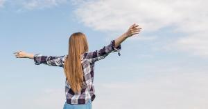 Cerque-se de positividade. Sejam pessoas, acontecimentos, experiências ou sonhos, mantenha por perto aquilo que é do bem e faz bem.