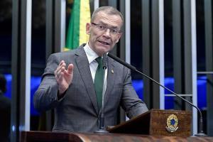 De saída confirmada da Rede, senador foi convidado pelos principais líderes petistas do Estado para se filiar ao partido, em reunião virtual na última segunda-feira (29). Senadores do PT estão envolvidos e até Lula deve entrar na mobilização para atrair o senador