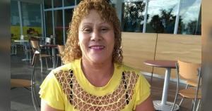 Segundo sua filha, Maria de Lourdes de Oliveira, de 55 anos, estava estendendo roupas quando saiu de casa sem terminar o seviço, deixando celular e documentos
