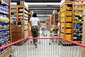 Gastos com alimentação e bebidas cresceram 18,35% na Grande Vitória em 2020. Alguns alimentos ficaram até 136% mais caros entre janeiro e dezembro, segundo o IBGE