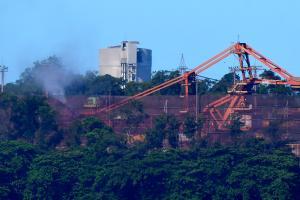 No ano passado, foram produzidas 13,5 milhões de toneladas de pelotas de ferro contra 27,3 milhões no ano anterior. Os dados foram publicados pela mineradora na noite desta quarta-feira (3)