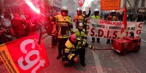 France Grinds to a Halt as Massive Strike Begins