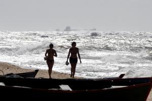 O portal Climatempo alertou para ressaca e mar agitado na próxima terça-feira (12); ondas fortes também serão observadas entre o sábado (9) e o domingo (10)