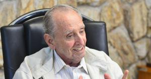 Carlos Fernando Monteiro Lindenberg Filho tinha na Fazenda da família, em Linhares, uma de suas paixões, que transcendeu e deu origem ao Jornal do Campo, precursor do Globo Rural. Empresário também foi presidente da Federação da Agricultura do ES